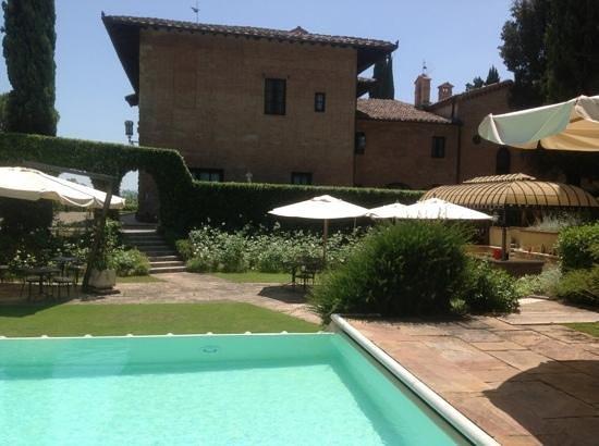 Hotel La Collegiata: Pool Area