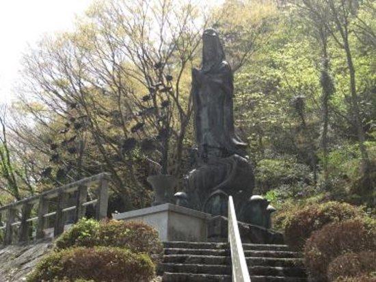 Tainai Michi-no-Eki: 青銅の観音様