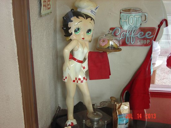 Michaels Kitchen Cafe & Bakery: Hi Betty!!