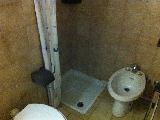 Colombo: La squallida doccia !!!