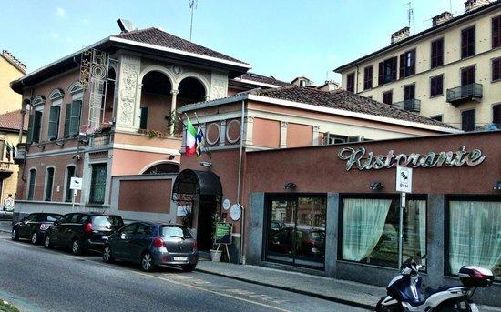 Hotel dei Pittori: Hotel itself.
