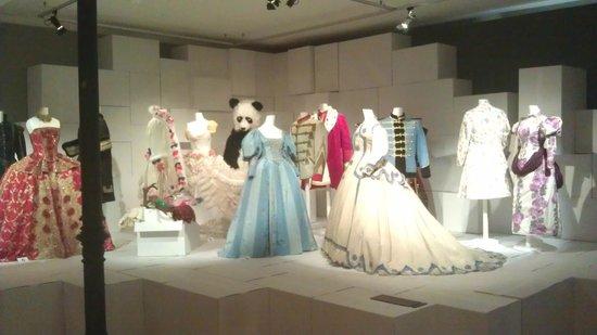 Textilmuseum: Roben