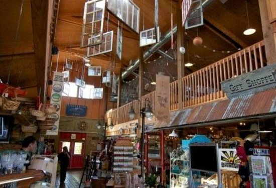 Camano Island Marketplace: gift shop