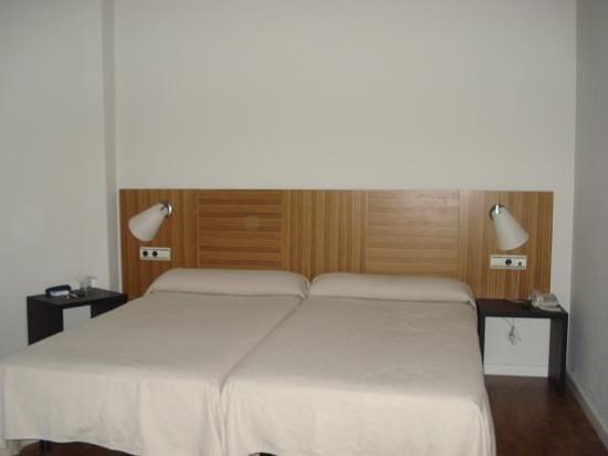 Hotel HG Apartamentos Isaba: habitacion
