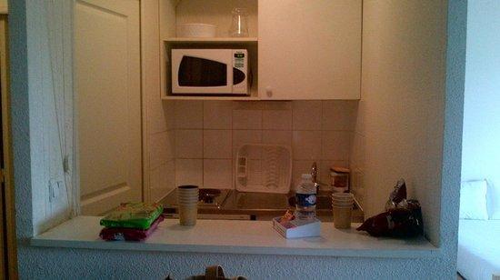 Sejours & Affaires Rive Gauche - Serris : Kitchen