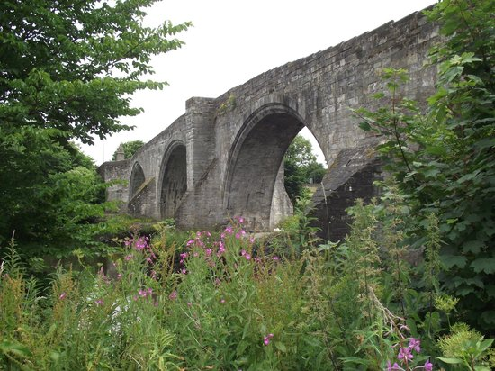 Dreadnought Hotel: Old Bridge at Stirling