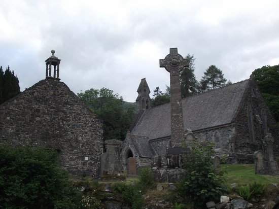 Dreadnought Hotel: Rob Roy Cemetry and Kirk