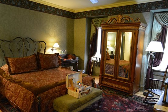 Beaumont Hotel & Spa: The Bluebird Room