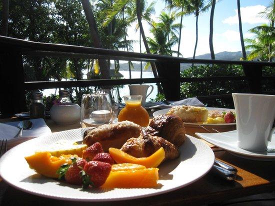 Le Taha'a Island Resort & Spa: Breakfast