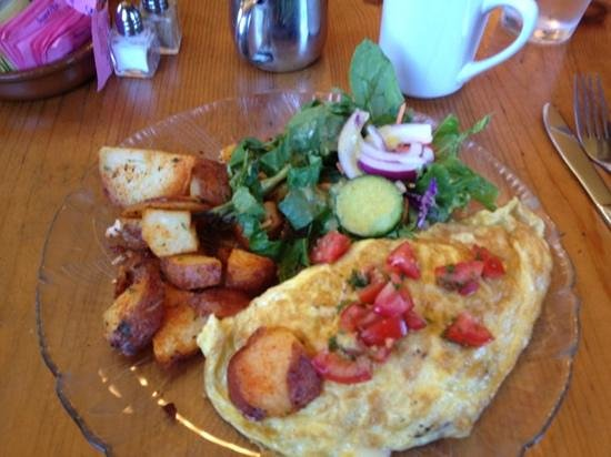 Gutiz: omelet with brie, potatoes and green chiles. YUM!