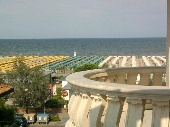 Bagno Conchiglia Cervia : Vista da una delle camere laterali foto di hotel conchiglia