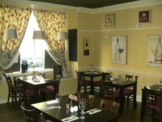 Bingley's Bistro: Interior