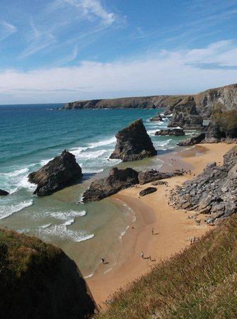 Carnewas and Bedruthan Steps: View of the beach from the top of the cliff