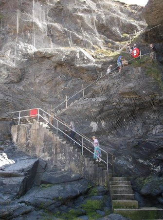 Carnewas and Bedruthan Steps: The crazy staircase