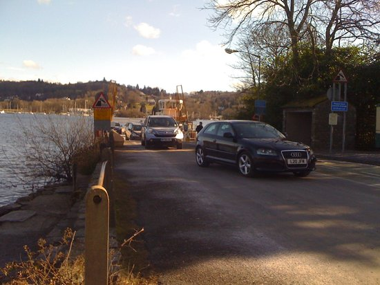 Kendal Hostel: Cars Coming off the Bowness / Sawrey ferry