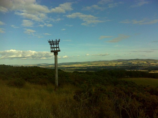 Cateran Trail : Alyth Hill beacon