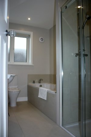 Whitstable Bay Bed and Breakfast: Sea View Ensuite