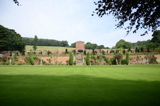 Hopton Hall Gardens: Terraced Gardens