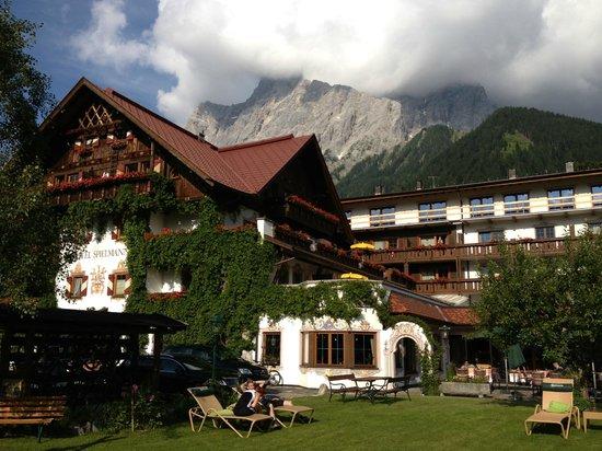Romantik Hotel Spielmann: Blick auf die Zugspitze