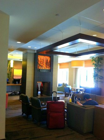 Hyatt Place Boston/Braintree: Lobby area.