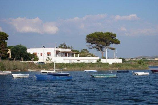 Laguna dei Fenici : La villa vista dal mare!