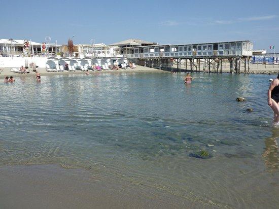 lampadari pisa : Bagno Azzurro Marina Di Pisa : Marina Di Pisa Beach