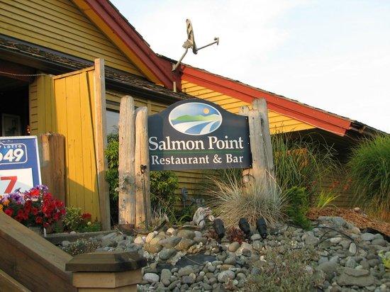 Salmon Point Restaurant: outside