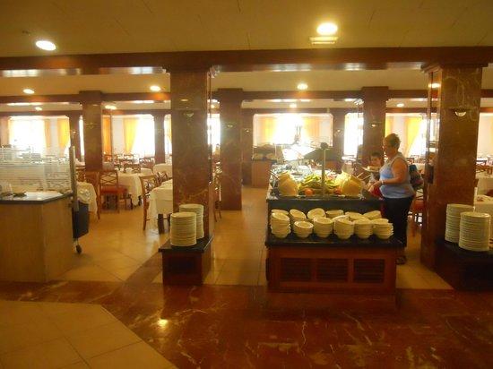 Universal Hotel Marques : Comedor desayuno