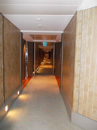 Grand Hotel Kempinski Geneva: couloir chambres