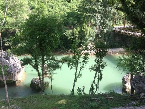 Hostal El Portal de Champey: río junto al hostal