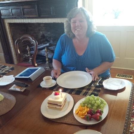 American Loyalist Peter Secord Inn c.1782 : Birthday Cake served with gourmet breakfasts....