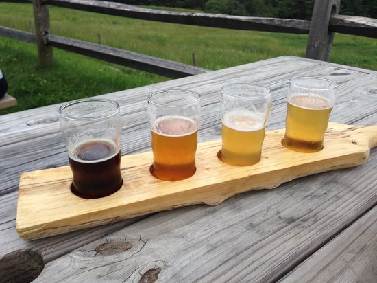 DeliBakery & Brewery at Trapp Family Lodge : beer flight