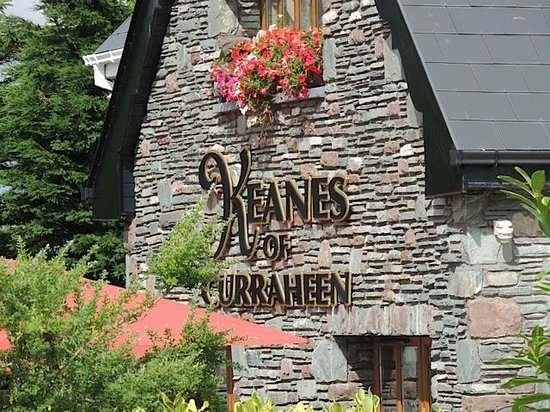 Keanes of Curraheen: Beautiful grounds, restaurant, rooms, outdoor patio