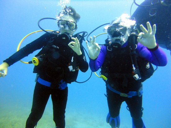 Lihadonisia Diving Center: That's us at Grogolimano