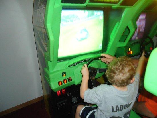 Lakeside Motel: Game room fun!