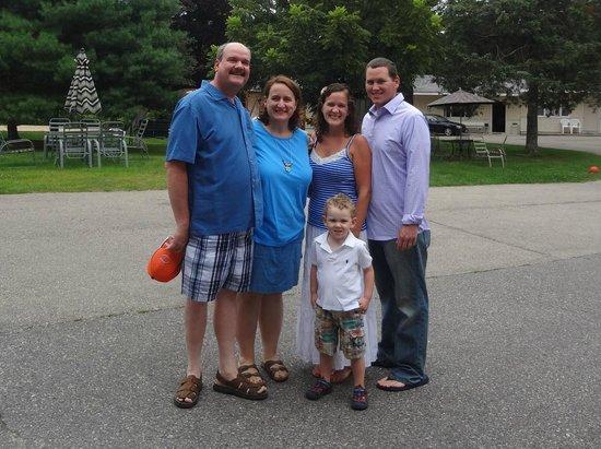 Lakeside Motel: Family Fun!