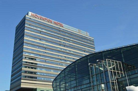 building picture of movenpick hotel amsterdam city. Black Bedroom Furniture Sets. Home Design Ideas