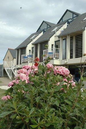 Hostellerie de la Pointe Saint-Mathieu : L'arrière de l'hôtel