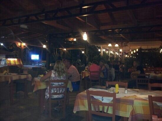 Captains Restaurant: Captain's,  una sera d'agosto