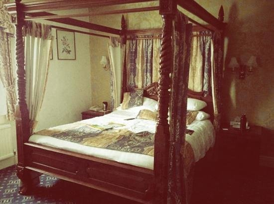 BEST WESTERN Crown Hotel : The Four Poster Bed