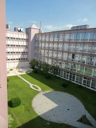 Mercure Hotel München Ost-Messe: Zimmeraussicht - Innenhof