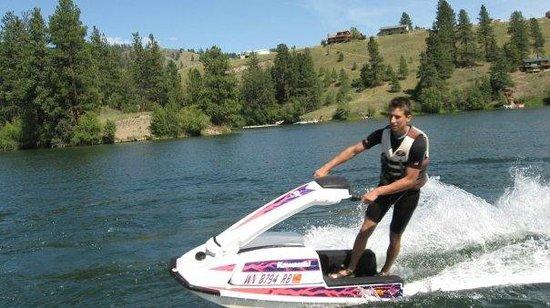 Republic, WA: Visit Curlew Lake for Swimming, Boating, Fishing, Jet Skiing, Tubing, & kayaking