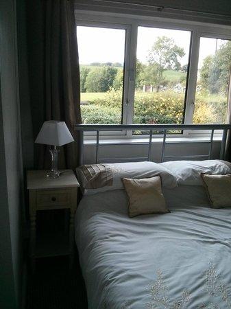 Elagh View bed & Breakfast : Bedroom