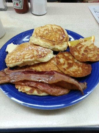 Palace Diner: Pancakes, grilled english and bacon