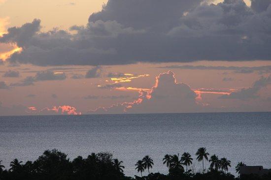 Casa Vista Del Mar Inn: Another beautiful Rincon sunset!