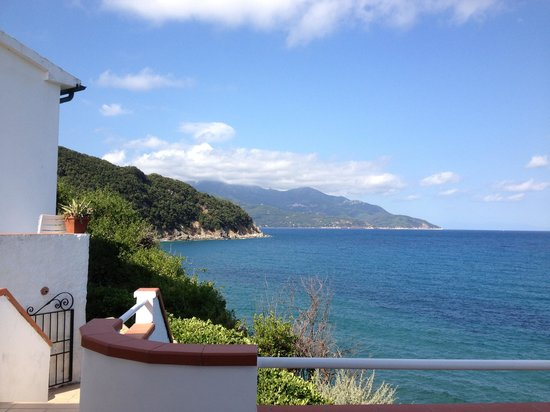 Hotel Scoglio Bianco: The view from the terrace