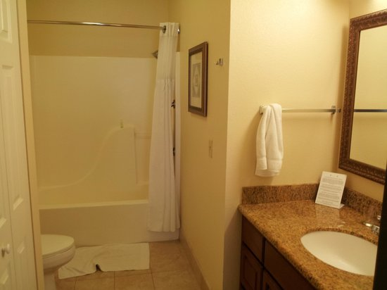 Staybridge Suites Irvine Spectrum/Lake Forest: Bathroom
