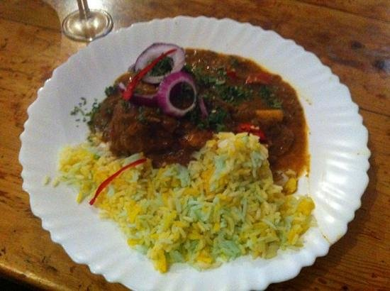 Snack Bar Silva: Amazing lamb shank madras curry....a must have!