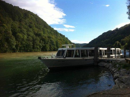 Eglisau, Schweiz: Ende des Biberweges bei der Bootshaltestelle Tössegg