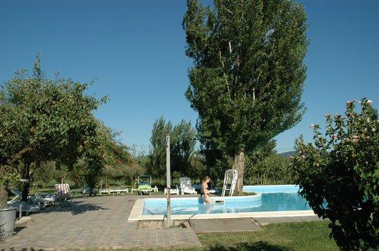 La bellissima piscina foto di agriturismo bosco farneto presenzano tripadvisor - Agriturismo con piscina caserta ...